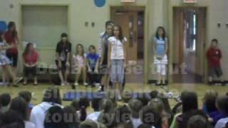 Download Spectacle de l'école Arc-en-ciel Video