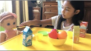Download Grocery Shopping + Breakfast with LuvaBELLA | Toys Academy Video