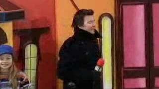 Download Macy's Thanksgiving parade RickRoll Video