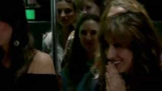 Download דני הוליווד 2 - זה קורה Video