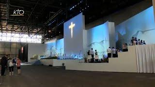 Download Pape en Suisse : les derniers préparatifs avant la messe Video