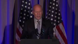 Download Bruce Willis honored for the American Institute for Stuttering - AIS Gala 2016 Video