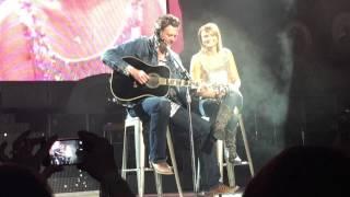 Download Blake Shelton joins Miranda Lambert in Dallas, Texas Video