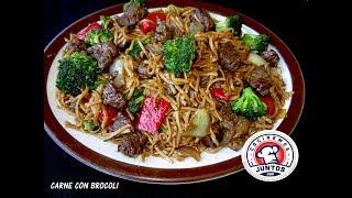 Download Carne con brocoli y tallarines - Comida China Video