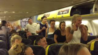 Download GROUP OF GIRLS GET KICKED OUT AND ARRESTED ON RYANAIR FLIGHT (INSANE) Video