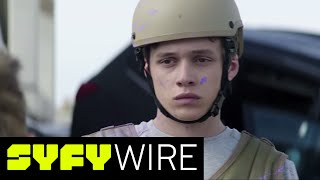 Download The 5th Wave Deleted Scene: Zombie Leader - Exclusive Clip | SYFY WIRE Video