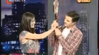 Download Serhan Yavas Ozlem Yilmaz''Değmesin Ellerimiz''Model Video