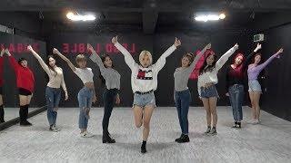 Download MOMOLAND (모모랜드) - 뿜뿜(BBoom BBoom) Dance Practice (Mirrored) Video
