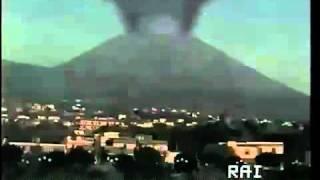Download The Vesuvio erupting Video