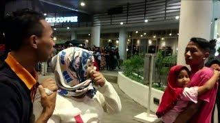 Download Indonésie: les images de la panique après le puissant séisme qui a frappé l'île de Lombok Video