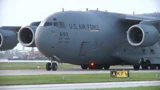 Download C-17 Lands at small commuter airport by accident Video