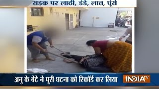 Download Mother-daughter duo thrashes neighbour over encroachment issue in Delhi Video