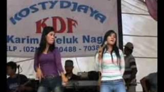 Download dangdut goyang hot Video