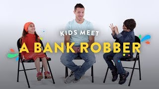 Download Kids Meet a Bank Robber | Kids Meet | HiHo Kids Video