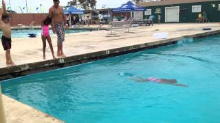 Download Kids swimming lessons July 2014 - girls 7 / 8 years 4/8 Video
