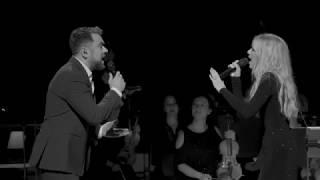 Download Kasia Moś feat. Kuba Badach & AUKSO – Zatracam się (Official Live Video NOSPR) Video