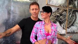 Download Rocco Siffredi presenta la sua Arisa pornostar Video