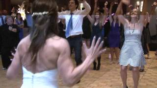 Download Kelly Clarkson Flash Mob Wedding Surprise ″ Bride Freaks out ″ Video