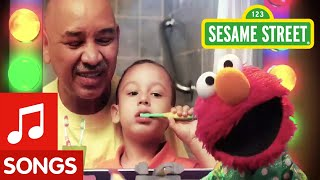 Download Sesame Street: Healthy Teeth, Healthy Me: Brushy Brush PSA Video