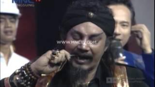 Download Aksi Master Limbad Membengkokkan Kunci Inggirs - Anugerah Dangdut Indonesia 2015 (17/12) Video