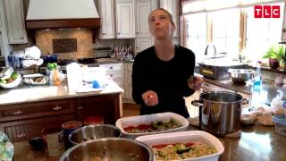 Download Prepping Dinner for 8 Kids Isn't So Easy | Kate Plus 8 Video