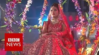 Download How to organise an Indian wedding without cash? BBC News Video