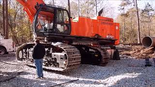 Download Assembling A Brand New Hitachi 870 Excavator! Video
