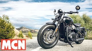 Download 2018 Triumph Bobber Black | First Ride | Motorcyclenews Video