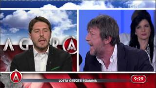 Download Casarini vs Molteni - ″Va a messa lei la Domenica?″ Video