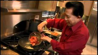 Download How to Cook Beef With Broccoli - Authentic Family Meals - Circulon Presents Martin Yan Video