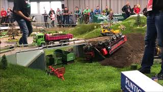 Download Rc Truck Action Extrem Scania R730 12x12 and Fendt 1050 and Crash Aigner Transporte Spezial Part 1 Video