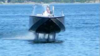 Download Elektrofoil FOILTWISTER hydrofoil boat flying and landing Video