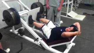 Download Garrett Glynn 14 years old leg presses 600 lbs 9 times!!! Video