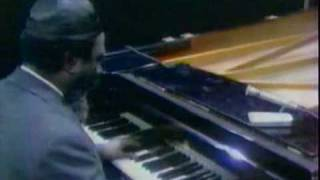 Download Thelonious Monk Piano Solo - 'Round Midnight Video