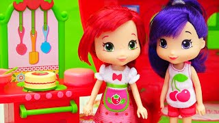 Download Strawberry Has to Bake Same Cake Three Times ! Toys and Dolls Fun with Bakery Playset Video