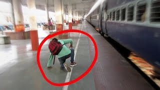 Download चलती ट्रेन से गिरा युवक || Man Falls From Running Train || Maurya Express Arrives Muzaffarpur Jn. Video