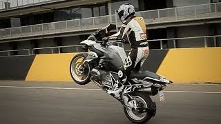 Download How to Wheelie a Motorbike Video