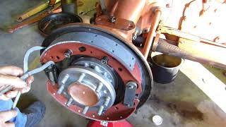 Download Ferguson FE35 Grey and Gold Restoration Part 13 Assembling the Brakes Video
