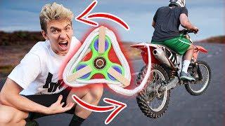 Download FIDGET SPINNER VS DIRT BIKE!! Video