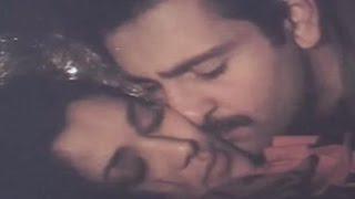 Download Rajeev Kapoor, Mandakini, Hot Kissing Scene - Hum To Chale Pardes Video