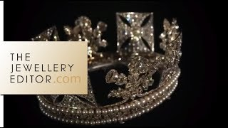 Download Buckingham Palace exclusive: the Queens jewellery show Video