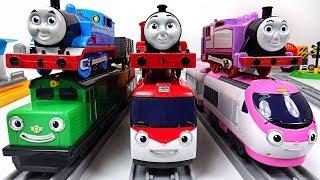 Download Titipo titipo, Diesel, Genie is in danger~! Help me Thomas & Friends! - PinkyPopTOY Video