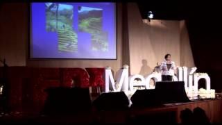 Download TEDxMedellin - Lucía Atehórtua - Educación ciencia, tecnología e innovación Video
