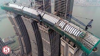 Download Cuma di china Gabungkan 8 gedung Pencakar langit jadi Gedung Pencakar Langit Horizontal Tertinggi Video
