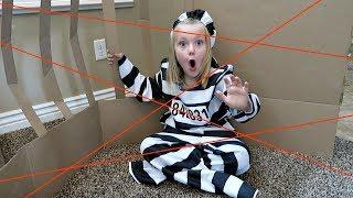 Download MAXIMUM SECURITY BOX FORT PRISON! | ESCAPE ROOM Video