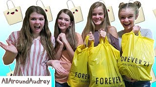 Download FRIENDS BUY OUTFITS FOR EACH OTHER! SHOPPING CHALLENGE 2017 ft. JacyandKacy / AllAroundAudrey Video