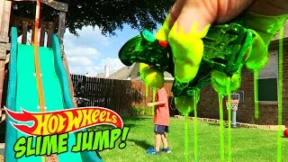 Download Hot Wheels Cars SLIME Jump Challenge for Shark Week - Hot Wheels Stunt by KidCity Video