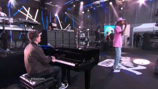 Download Wiz Khalifa ft Charlie Puth Performs 'See You Again' Live Performance Version Video
