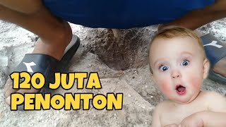Download BOKER BATU - GILA 30 JUTA PENONTON Video