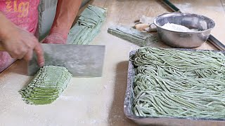 Download Xian Street Food - Making Chinese Spinach Noodles Video